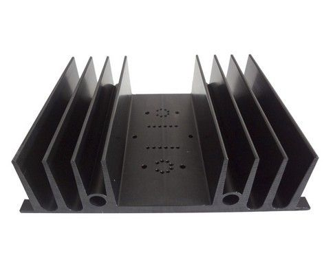 Anodized 6063 / 6061 Aluminum Heatsink Extrusion Profiles With silvery , black Color